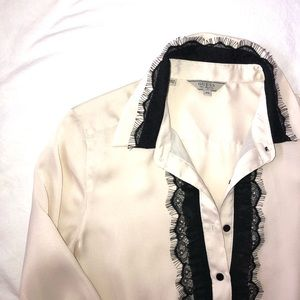 Guess? Tuxedo style blouse sz XS